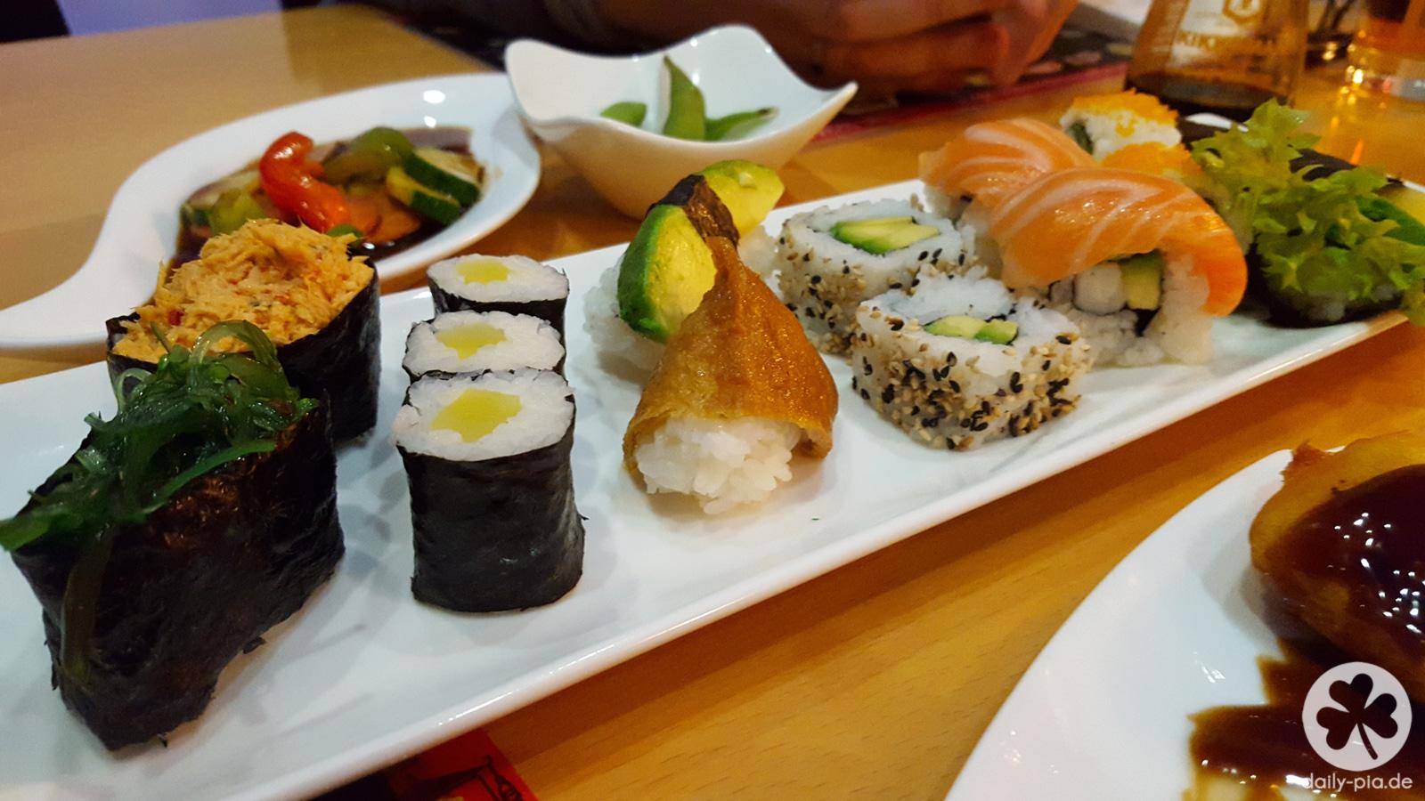 Mit guten Freunden isst man Sushi