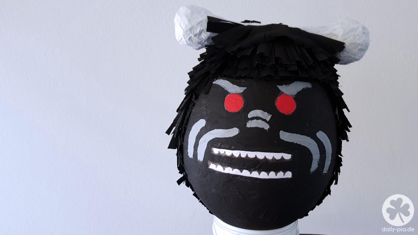 Die Ninjago Piñata